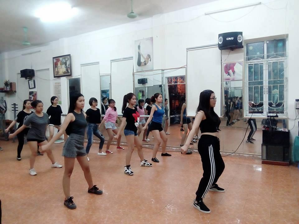 Chúng tôi không thuê những giáo viên chỉ biết nhảy