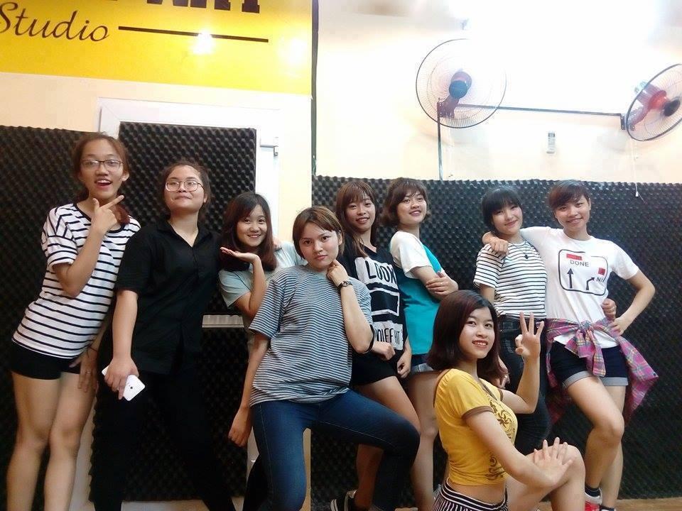 Khai giảng lớp học nhảy hiện đại cơ bản tại Quan Nhân