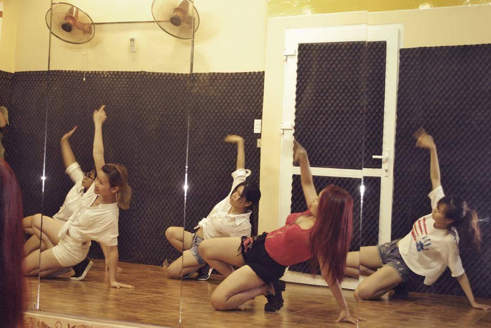 Tổng hợp các bài nhảy của 1 số Dancer tại trung tâm Sweet Art