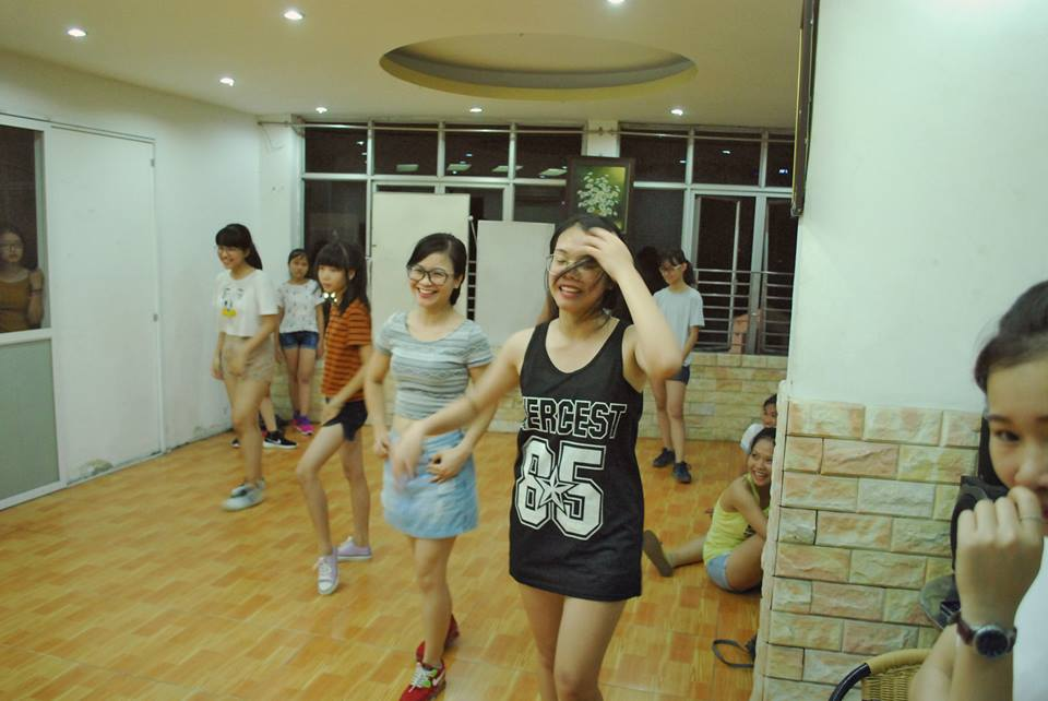 Buổi học lớp Dance Fitness đầu tiên tại cơ sở Trung Kính