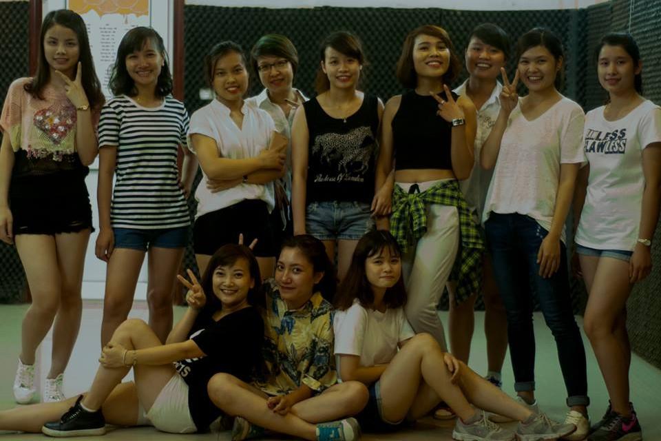 Tổng hợp thành quả lớp Shuffle Dance K35 tháng 10