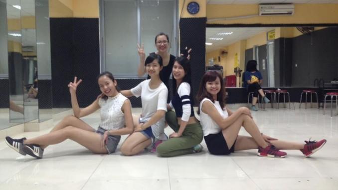 Tự học nhảy hiện đại ở nhà - 149198