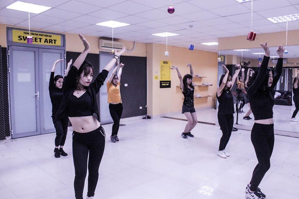 bài nhảy tháng 4 của lớp sexy dance Ke35 cơ sở Trung Kính
