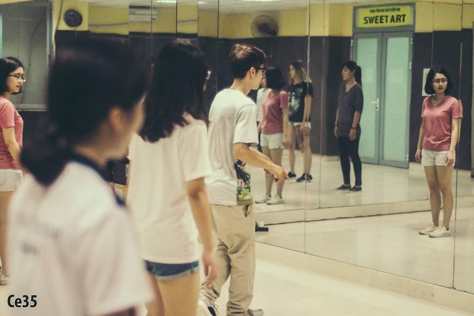 Khai giảng lớp Shuffle Dance dành cho cả nam và nữ đầu tiên tại Sweet Art