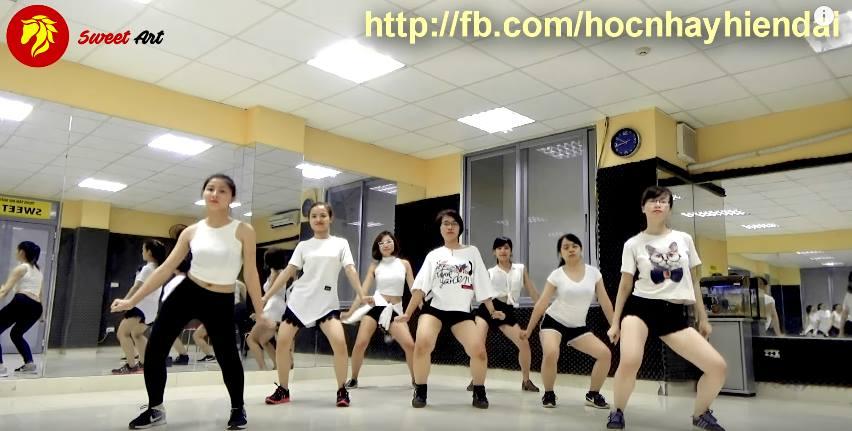 MỘT NHÓM HỌC VIÊN NỮ XINH TƯƠI CỦA LỚP SEXY DANCE CT26 CƠ SỞ CẦU GIẤY