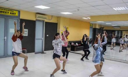 Lớp Ct35 [Dance Cover Kpop]: thứ 3-5 (20h-21h30)