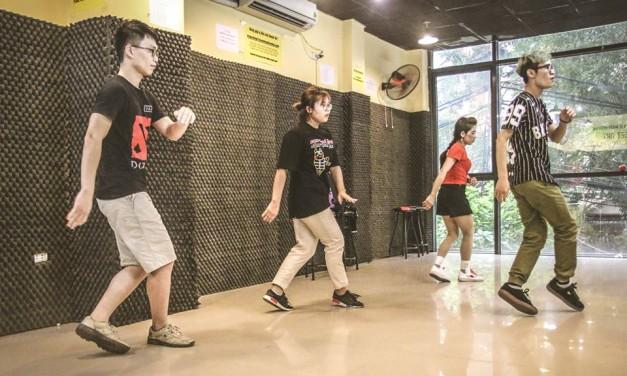 Mở lớp Shuffle dance ca chiều cơ sở Trung Kính