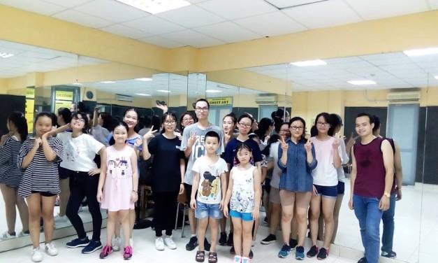 Ngẫu hứng buổi tập của học viên lớp Shuffle dance cc35
