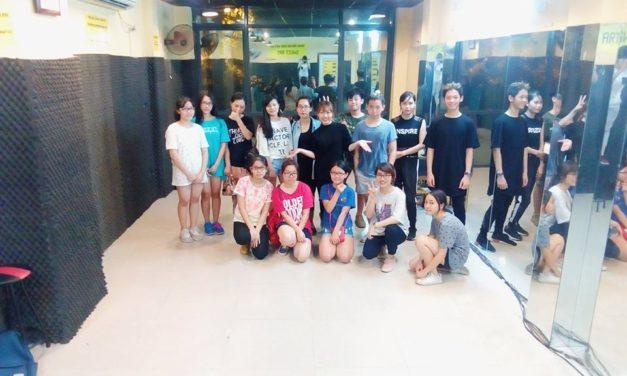 Trai xinh gái đẹp lớp Choreography tập hợp!