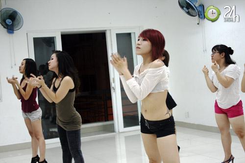 """Nhảy hiện đại Sexy dance """"hút hồn"""" giới trẻ Sài thành"""