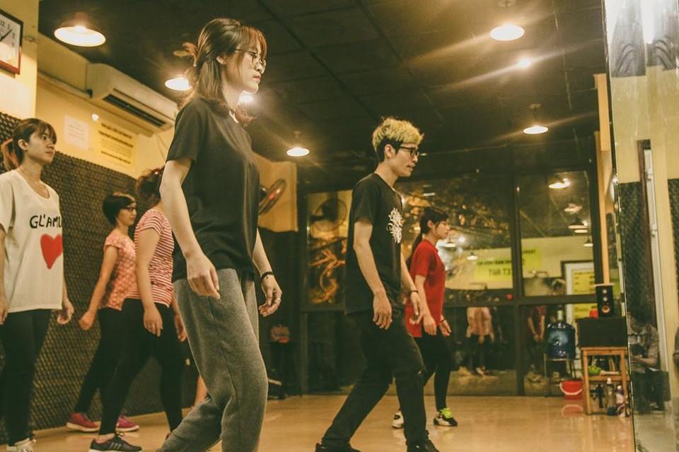 KHÓA SHUFFLE DANCE ONLINE- TỰ TIN – DỄ HỌC – NỔI BẬT